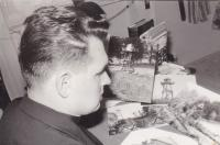 1963 - Peter Esterka with photos of the boundaries when drawing up memories of the illegal transition