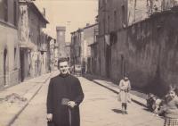 1959 - Petr Esterka at the walk Rome