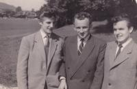 1957 - September, a refugee camp in Austria, Petr Esterka right, Joseph a Whack on the left, in the middle of a friend. Petr Esterka somewhere recalled that when crossing the border had Whey in charge of the baggage, which remained between the wires. The