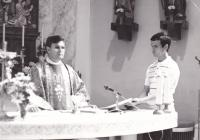 1990 - Petr Esterka at holy mass in the Dolní Bojanovice, right Jiří Kaňa, later a priest (the exact year is not specified, but probably should before 1989 could not publicly serve the holy mass in the church).