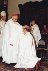 1999 - episcopal ordination, Petr Esterka receives a blessing from cardinal Miloslav Vlk