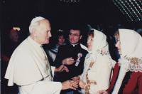 1989 - audience with pope John Paul II, in the back Petr Esterka, the hand of the pope served Agnes Hromková