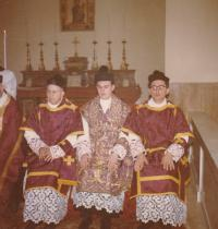 1963 - Petr Esterka (in the middle) when your primici in Rome