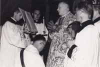 1959 - Petr Esterka (in the back) as an altar boy at the holy mass in the college Nepomucenum in Roma