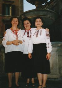 Kristina in the middle on the Congress of the World Federation of Ukrainian Women in Rome in 2003