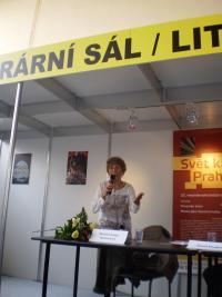 Marjéta expressing her thanks, The Jiří Theiner Prize, Book Fair, Prague 2016