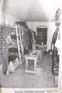 obrázek repliky vězeňské ubytovny