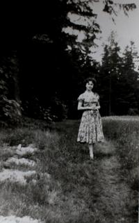 Anita going on a date with her future husband near Klingenthal in 1950s