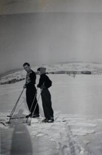 Anita with her uncle, a professional ski jumper, who taught her skiing near Klingenthal in 1950s