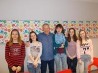 Jiří Holík with the students from Elementary School Rošického