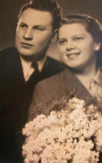 Photo of parents wedding (1942)