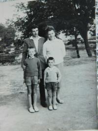 S manželkou a dětmi