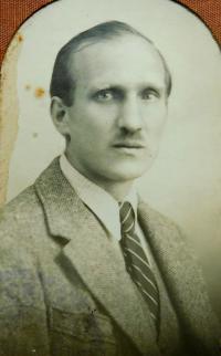 Otec Jaroslav Knápek