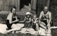 Hana with parents and sister at the swimming pool, Benešov 1941
