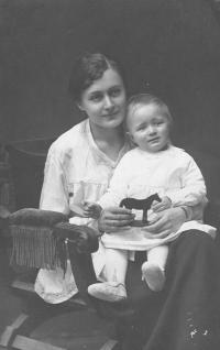 Mother of Natálie with her older son Rafael