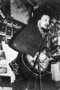 At Víska, 1978