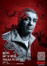 Foto z plakátu na kampaň pomoci dětem ohroženým kriminalitou