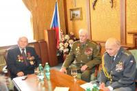 Na Ministerstvu obrany, zleva: nadporučík v.v. Vladimír Winter, plukovník v.v. Václav Přibyl, plukovník v.v. Pavel Vranský (2014)