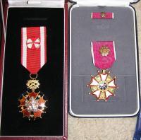 Řády (medaile): Řád bílého lva a Legion of Merit