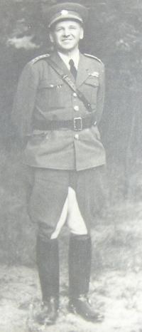 Otec Vladimír Procházka jako důstojník Československé armády