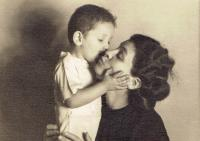 Ivan s maminkou, Praha asi 1950