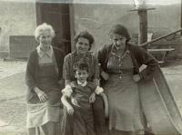 From left: aunt Hermi, Mariana Bukovská with Ivan, aunt Irča, about 1953fro