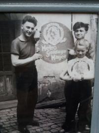Miroslav with his siblings