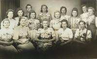 Women from Nýznerov at war times before leaving to work in Germany