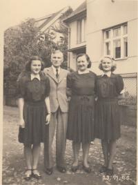 The Brůna family - Blanka, father, mother, Věra