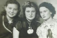 Amid Antonie Kašparová (Simkova) with her friends
