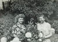 Antonie Kašparová (Simkova) on the left in housewifery school in Sumperk