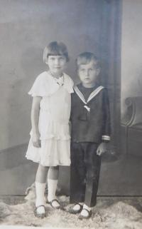 Siblings Milada and Jaroslav Palka