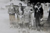 In the foreground Jaroslav Palka with his friend Jaroslav Papež. At the back: wives of members of the financial guard in the village Bohdan in Carpathian Ruthenia