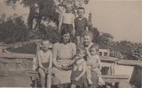 aunt, grandmother Gabriela Thurn - Taxis and grandchildren in Lysa nad Labem