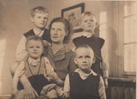 Josefa Bořek - Dohalska with her sons, Lysa nad Labem