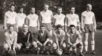 V týmu brněnských hokejistů při fotbale
