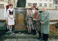 1998, Hudlice