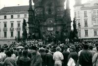 Nepovolená demonstrace za propuštění katolického aktivisty Augustina Navrátila z psychiatrické léčebny / Olomouc / 1988