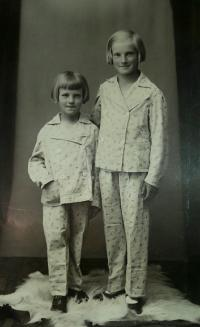 Maria with her sister