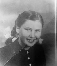 Katarína Skalová (married Bendová ) shortly after the end of the war - in her 16 years