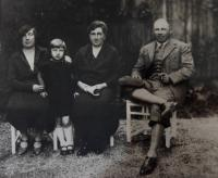 Ehrenfeld family before the war