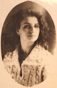 daughter Anna Irmanova nar. 1970