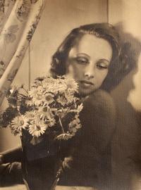mother Jan roz. Neumannová - b. 1923