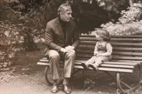 father with granddaughter Anna