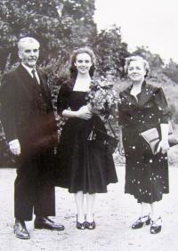 Jaroslava Struková with her parents