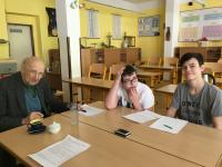 Milan Práger with pupils from the project Stories of Our Neighbours