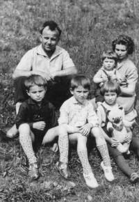 Husband Karger with children