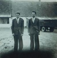 Milan Hlobílek and his cousin Luboš Hlobílek at the family farm in Mistřín