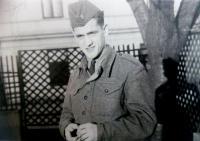Vincent Dorník - fotografia z vojenskej služby v útvaroch PTP (1950)