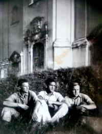 Vincent dorník with friends - photo from criminal military service (1951)